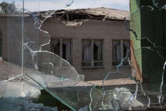 Окупанти обстріляли школу у населеному пункті Золоте-5