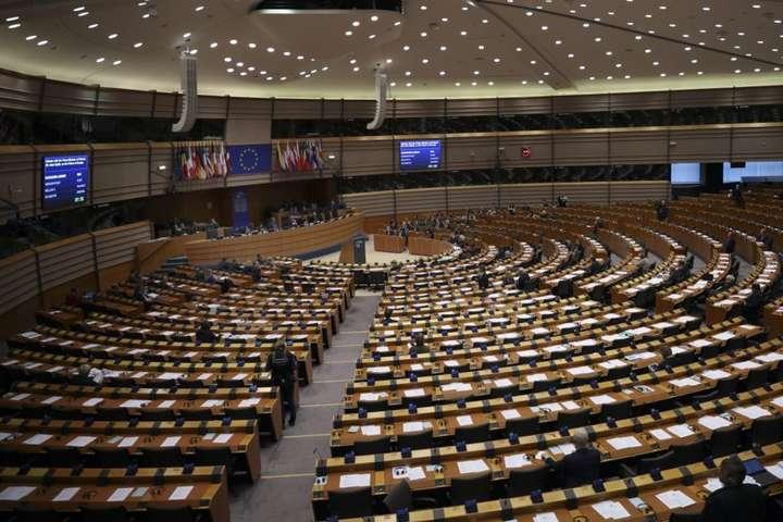 Європарламент рекомендував «підвищити обізнаність про дезінформаційні кампанії Росії» - Європарламент ухвалив резолюцію про боротьбу з російською пропагандою
