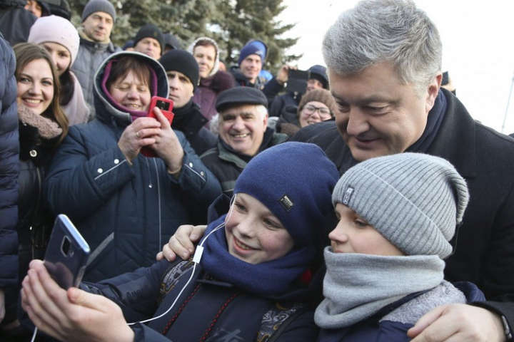 Президент УкраїниПетро Порошенко - Сьогодні Порошенко відвідає Донбас