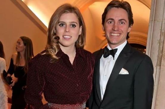 Внучка Елизаветы II впервые официально вышла в свет со своим бойфрендом – разведенным миллионером