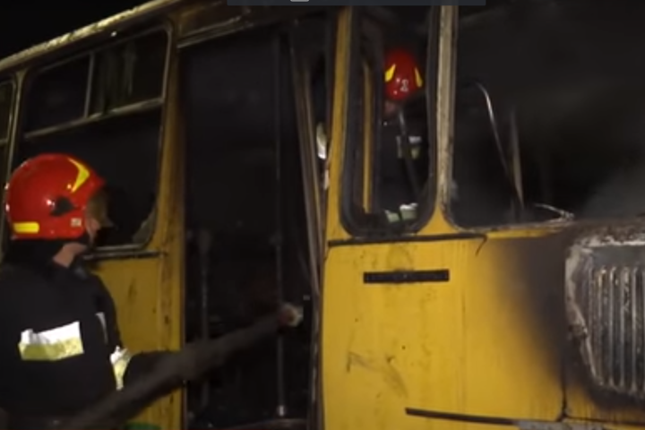 Під Вінницею загорівся пасажирський автобус