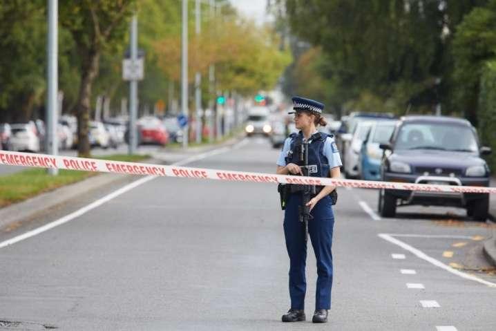 Після нападу влада просить жителів Крайстчерча залишатися у своїх будинках і повідомляти про підозрілі факти - У Новій Зеландії кількість загиблих під час теракту наближається до 50 осіб