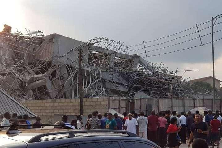 <p>14 березня рятувальні бригади припинили пошук на місці обвалу будівлі</p> <p> &#8212; Внаслідок обвалу школи у Нігерії загинули 20 людей&#187;></p></div> <div class=