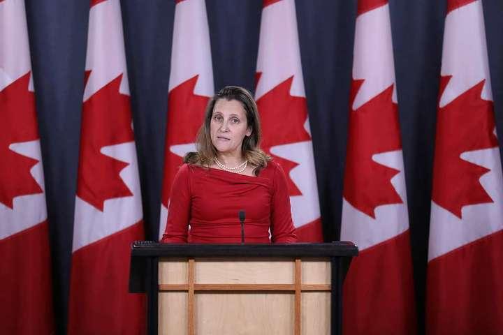 <p>Міністр закордонних справ Христя Фріланд оголосила про санкції щодо 114 фізичних та 15 юридичних осіб</p> <p> &#8212; Канада запровадила нові антиросійські санкції&#187;></p></div> <div class=
