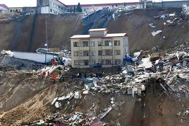 Семеро людей загинули через зсув на півночі Китаю