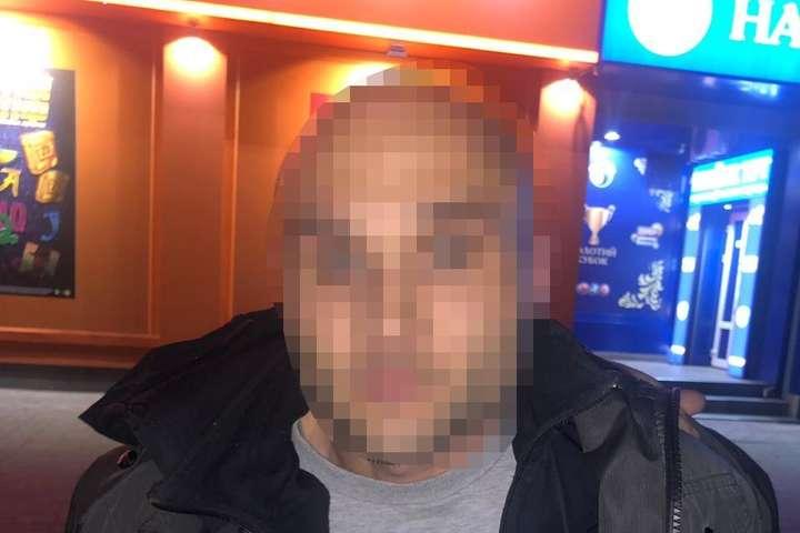 Підозрюваного затрималиу порядку ст. 208Кримінально-процесуального кодексу України - Чоловік на Київщині скоїв вбивство заради ігор на автоматах