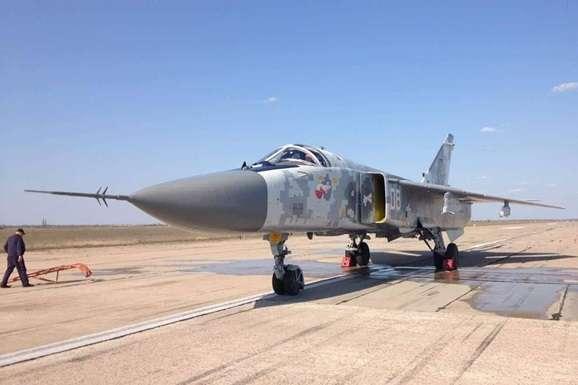 """<div class=""""post-item__photo-author"""">Су-24</div> — Українські бійці отримали відремонтований бомбардувальник Су-24"""