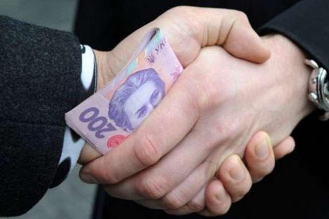 Правоохоронці підрахували, що підприємець мав заплатити поліцейським 40 тисяч гривень