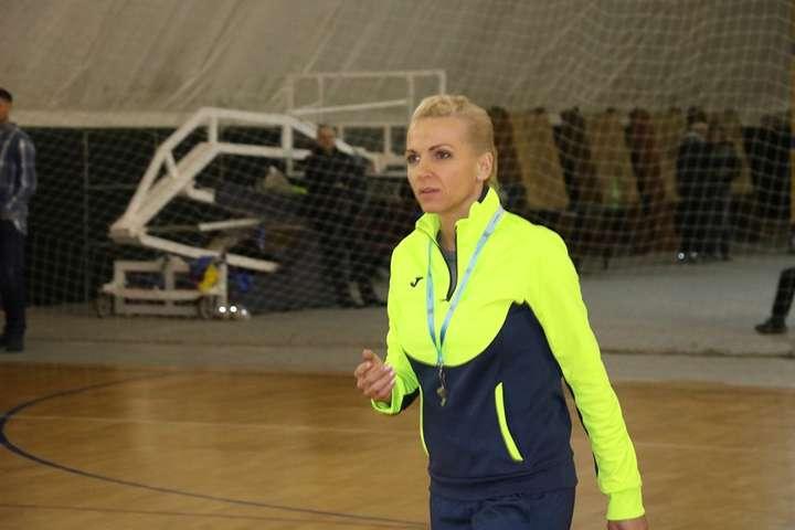 42-річна Наталія Ляпіна спробує повернути українському гандболу колишню славу - Збірну України з гандболу очолила призерка Олімпіади-2004