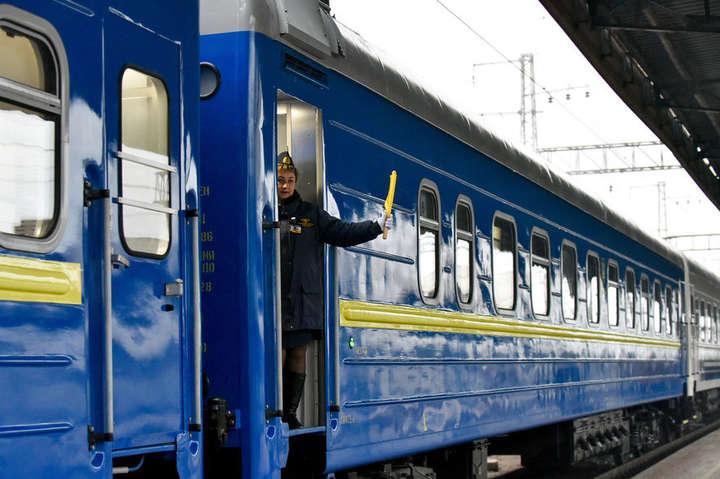 Поїзд «Хмельницький/Жмеринка-Москва» тепер складатиметься з причіпних вагонів «Хмельницький-Москва» до поїзда №74 «Львів-Москва» — «Укрзалізниця» скасовує потяги до Москви з Ковеля і Жмеринки