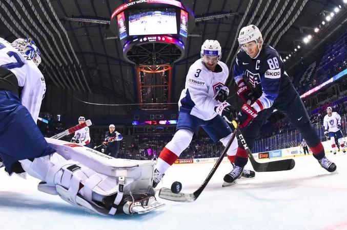 Один із найзірковіших гравців цього чемпіонату, американець Патрік Кейн закинув свою першу шайбу — Чемпіонат світу з хокею: збірна США зігнала лють на Франції (відео)