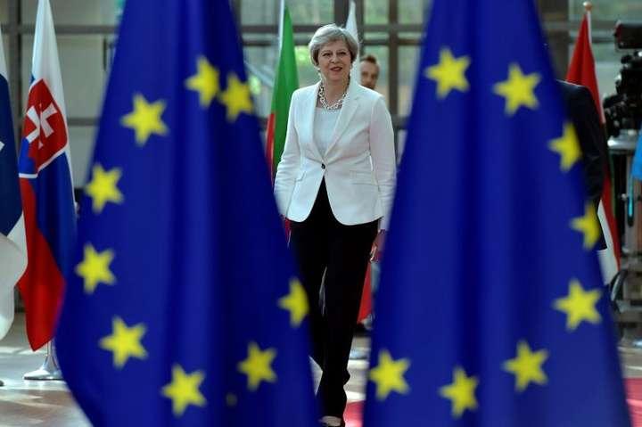 Парламент вже тричі відхилив варіант угоди, який пропонувала прем'єр-міністр Тереза Мей — Уряд Британії не підтримав альтернативний план щодо Brexit