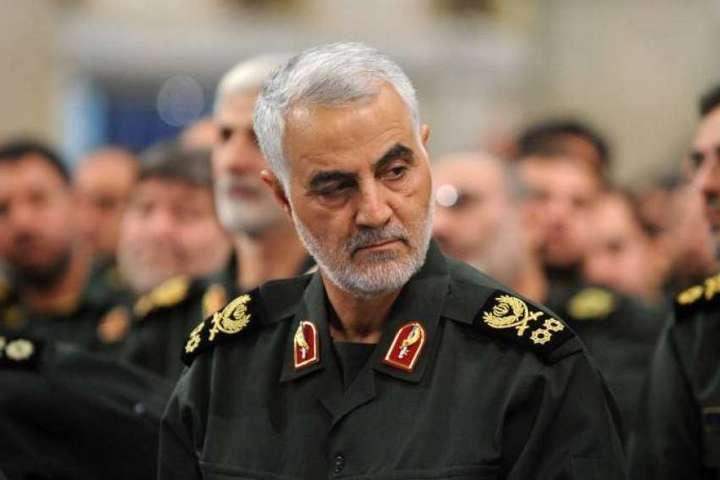 <span>Офіцери Корпусу вартових Ісламської революції (КВІР)&nbsp;</span> — Іран погрожує ударом по силах Сполучених Штатів у Перській затоці