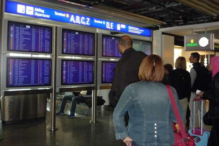 <p>Міжнародний аеропорт Франкфурта-на-Майні Об этом сообщает <a href=