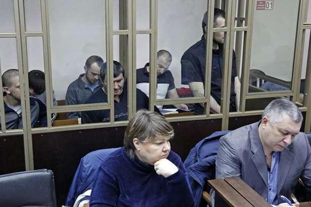 У Росії суд у закритому режимі розглядає продовження арешту кримськотатарським активістам