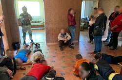 Фото: — <span>Наркозалежних насильно утримували в орендованому будинку</span>