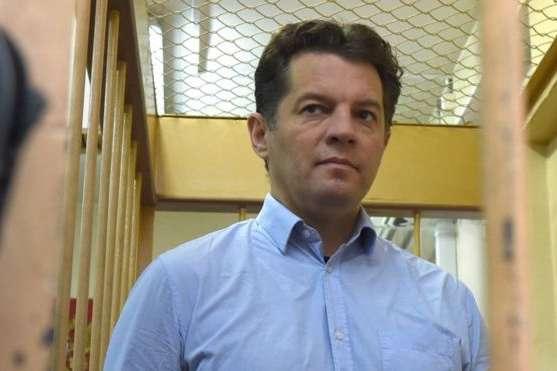 Сущенка відвідав у колонії в Кірово-Чепецьку український консул у Москві Альберт Черніюк — Сущенку передали фарби, проте посилка з ліками «застрягла» — правозахисник