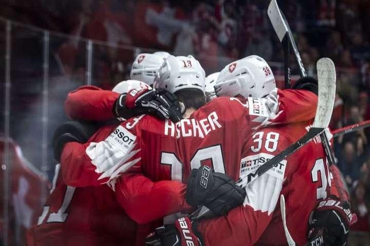 Збірна Швейцарії впевнено виграла ті матчі, які мала виграти — Швейцарія першою здобула чотири перемоги на чемпіонаті світу з хокею (відео)