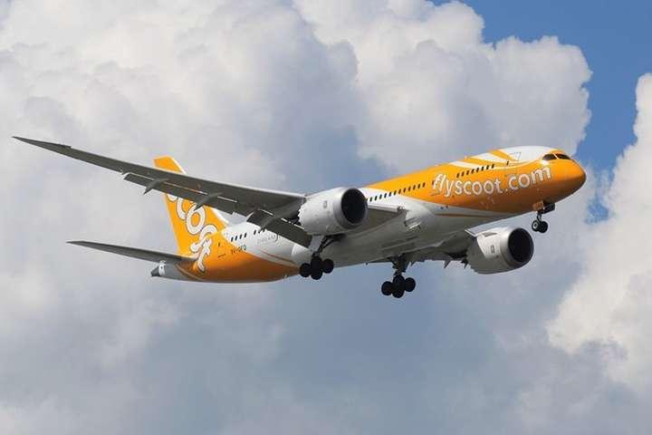 На борту лайнера знаходився 161 пасажир — В Індії екстрено сів літак сінгапурської авіакомпанії через задимлення