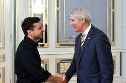 Фото: — ВолодимирЗеленський зустрівся з сенатором США Портманом