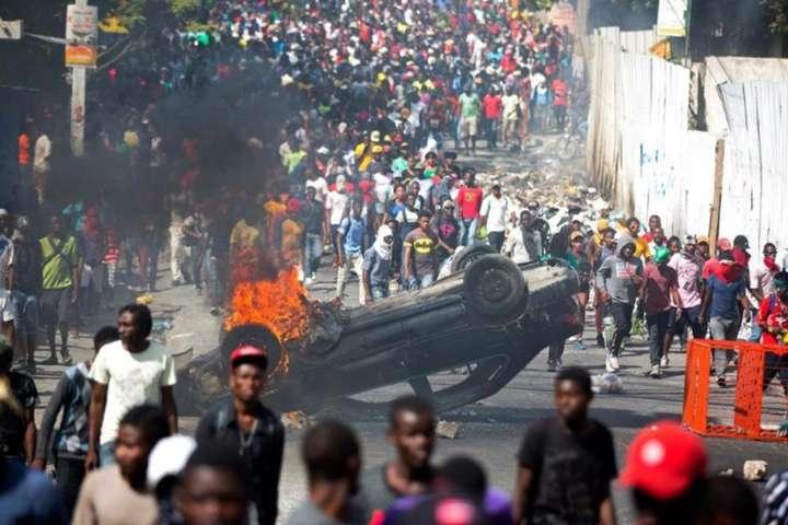 Гаїті охопили масові заворушення