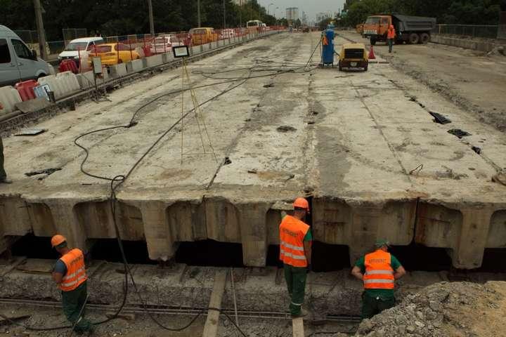 Ремонт Борщагівського шляхопроводу — Кличко показав, як ремонтують шляхопровід, що сильно «втомився» (фото, відео)