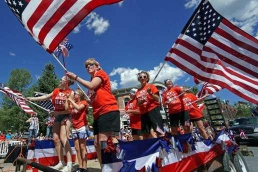 Деякі звіти говорять, що Служба національних парків перекинула майже $2,5 млн на покриття витрат — У США вперше за 27 років пройшов військовий парад до Дня незалежності