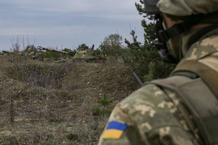 Окупантиобстрілювали позиції українських підрозділів із застосуванням заборонених Мінськими угодами артилерійських систем — Сьогодні бойовики на Донбасі вісім разів обстріляли українських бійців