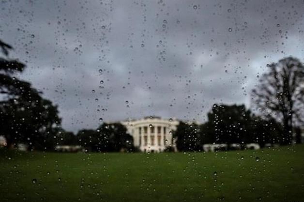 Негода частково паралізувала Вашингтон — Сильна злива у Вашингтоні підтопила Білий дім та метро