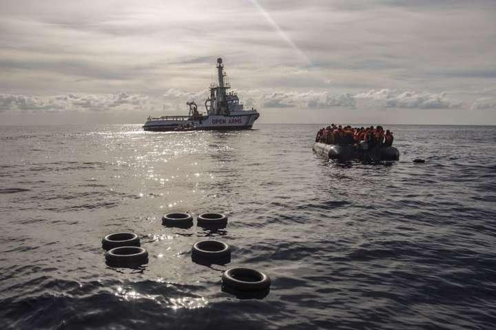 За останні роки до Європи з країн Африки та Близького Сходу втекли десятки тисяч людей — У Середземному морі за два дні врятували понад 100 біженців
