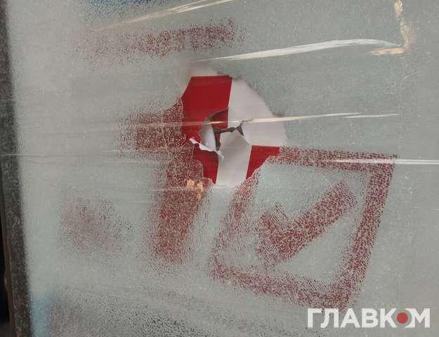 У Центрі Києва пошкоджені сітілайти з рекламою партії Ахметова-Новинського