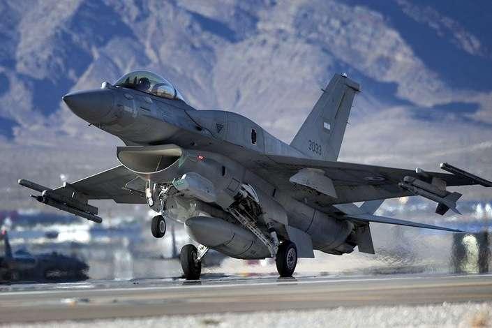 Винищувач F-16 — Американський експерт натякнув на можливу закупівлю Україною винищувачів F-16