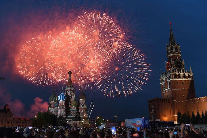 Естонія заявила про російські провокації зі святковим салютом