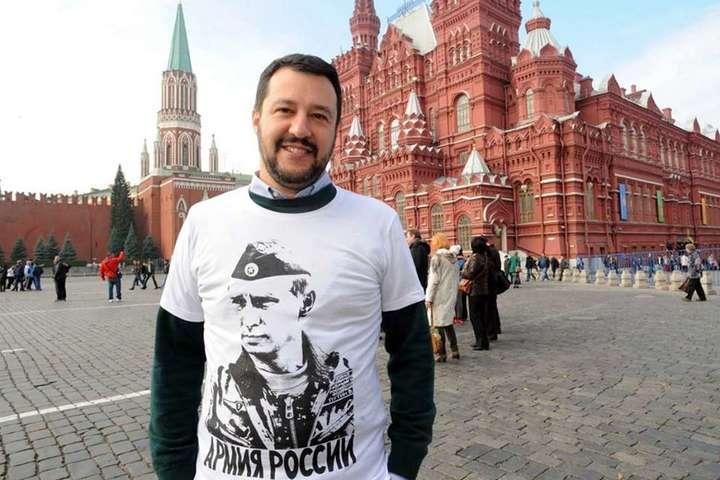 ОчільникМВС Італії і лідер партії «Ліга» Маттео Сальвіні — Глава МВС Італії божиться, що не брав в Росії «жодного рубля чи літра водки»