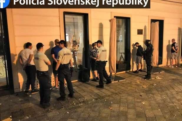 За підсумками бійки заарештовано кілька десятків осіб — У Словаччині відбулася ґрандіозна бійка між фанатами чотирьох клубів