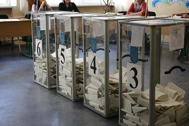 Опитування проводилося протягом 6-10 липня 2019 року — Вибори до Ради: до парламенту проходять п'ять партій