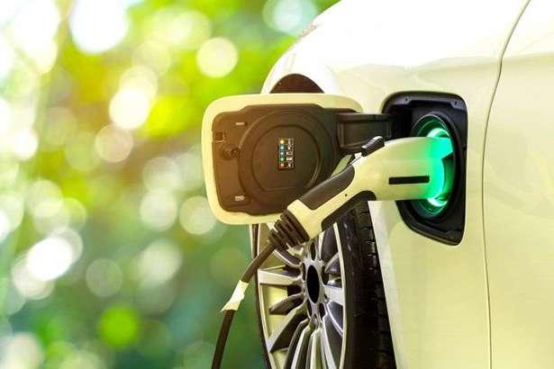 В Україні на електрокари встановлять зелені номери