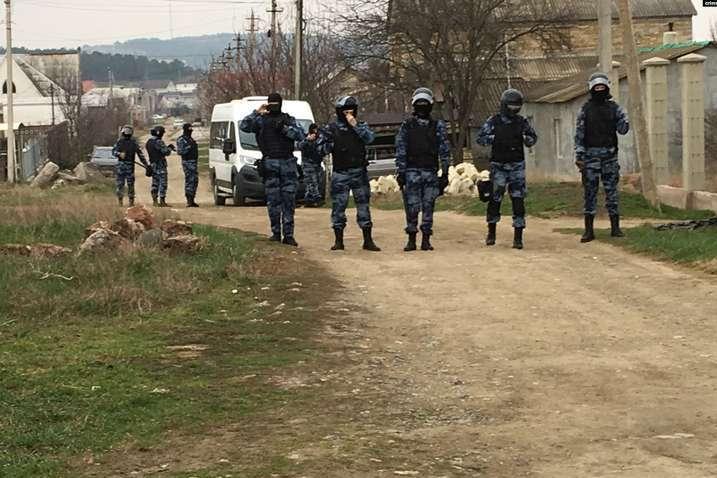 Російська влада виставляє кримських татар «терористами» - Human Rights