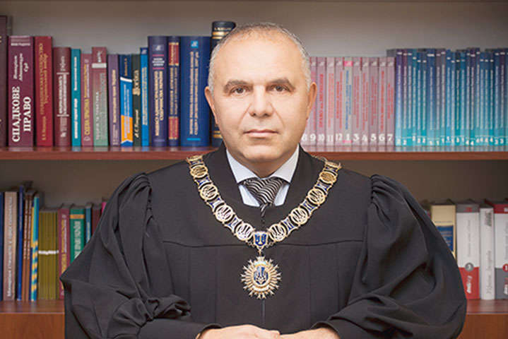 Суддя з «трійки», яка винесла рішення на користь кандидата від «Слуги народу», заявив про тиск (документ)