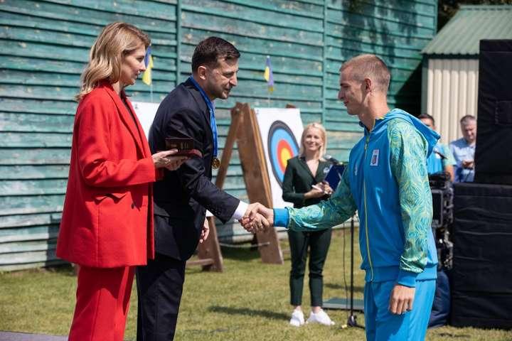 Комсомол 21-го сторіччя. Як сяйво Зеленського спортсменів осяяло (фото)