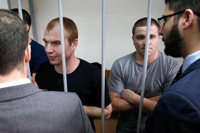 Суд в Москві продовжив арешт усім 24 українським морякам