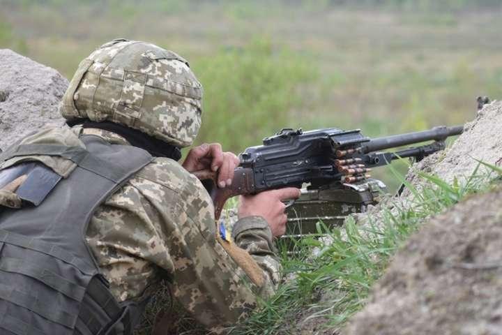 Доба на Донбасі: двоє військових отримали поранення