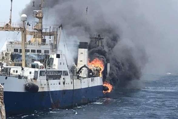 До України повернулась частина моряків з траулера, що затонув біля узбережжя Африки