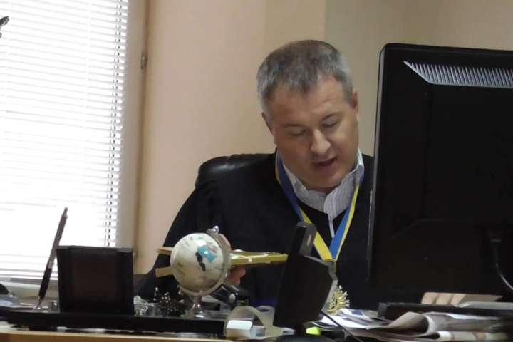 Суддя Оболонського районного суду Києва Костянтин Валасатій — Суддю, який виніс вирок Януковичу, відсторонили на пів року