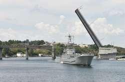 Фото: — Корабель Юрій Олефіренко здатний проводити десантування більш ніж 150 бійців
