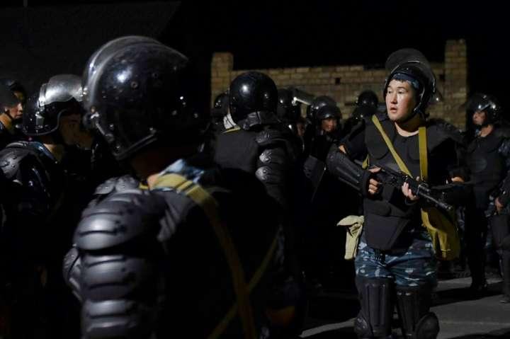 <p>Ввечері 7 серпня в будинок Атамбаєва в селі Кой-Таш прибули бійці спецназу для його затримання</p>