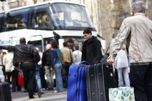 Заробітчани — Коли заробітчани заберуть свої сім'ї – економіка України впаде, — експерт