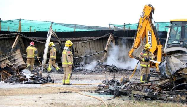 В Іспанії після удару блискавки згоріли 40 будинків на колесах