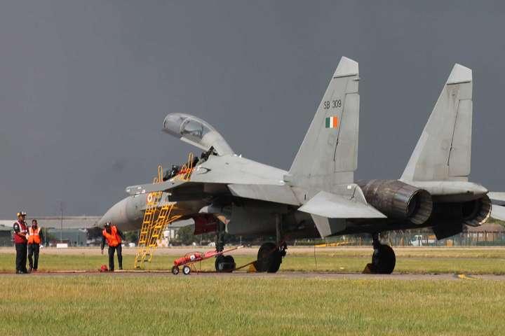 Щороку індійська компанія Hindustan Aeronautics Limited (HAL) виробляла до 12 винищувачів Су-30КМІ - Індія може закрити підприємство, що збирає російські винищувачі