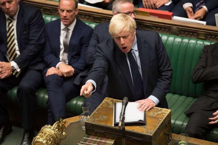 «Палата громад не залишила іншого виходу, крім як дозволити народу вирішити, кого він хоче бачити прем'єрміністром», — заявив Джонсон — Джонсон вимагає провести дострокові вибори в парламент Британії